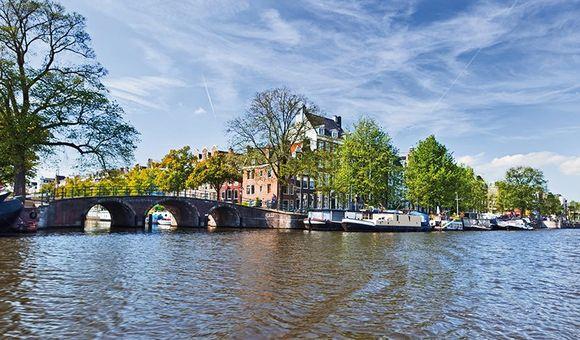 Benelux1